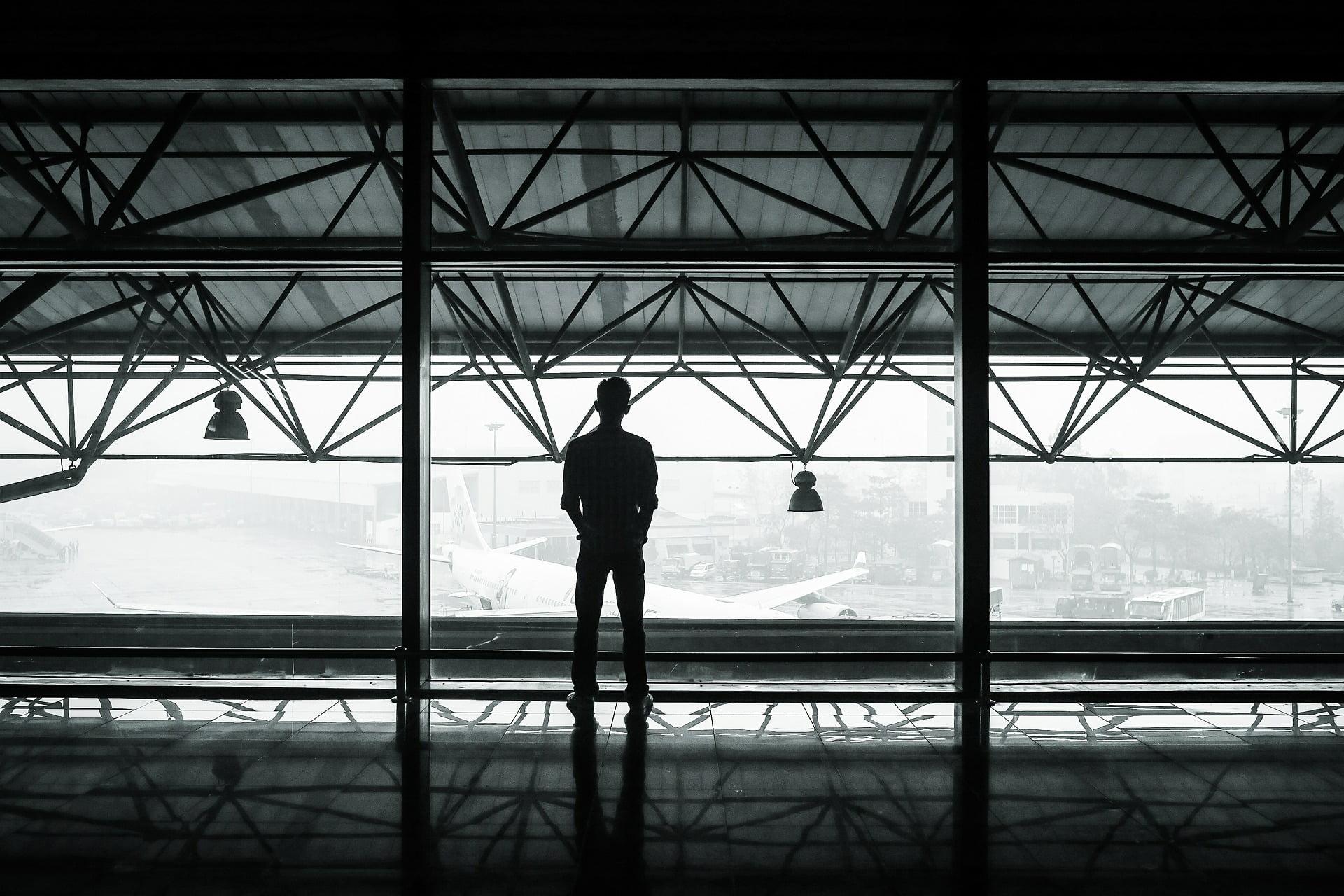 airport travel hacks
