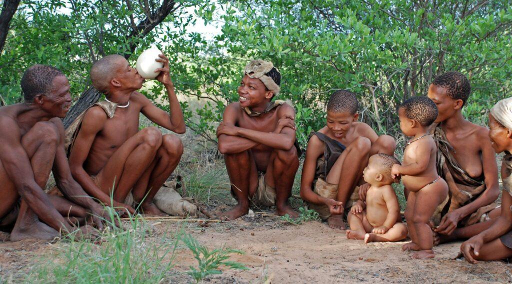 pasear con los bushmen es de Las 10 mejores cosas para hacer en Botswana
