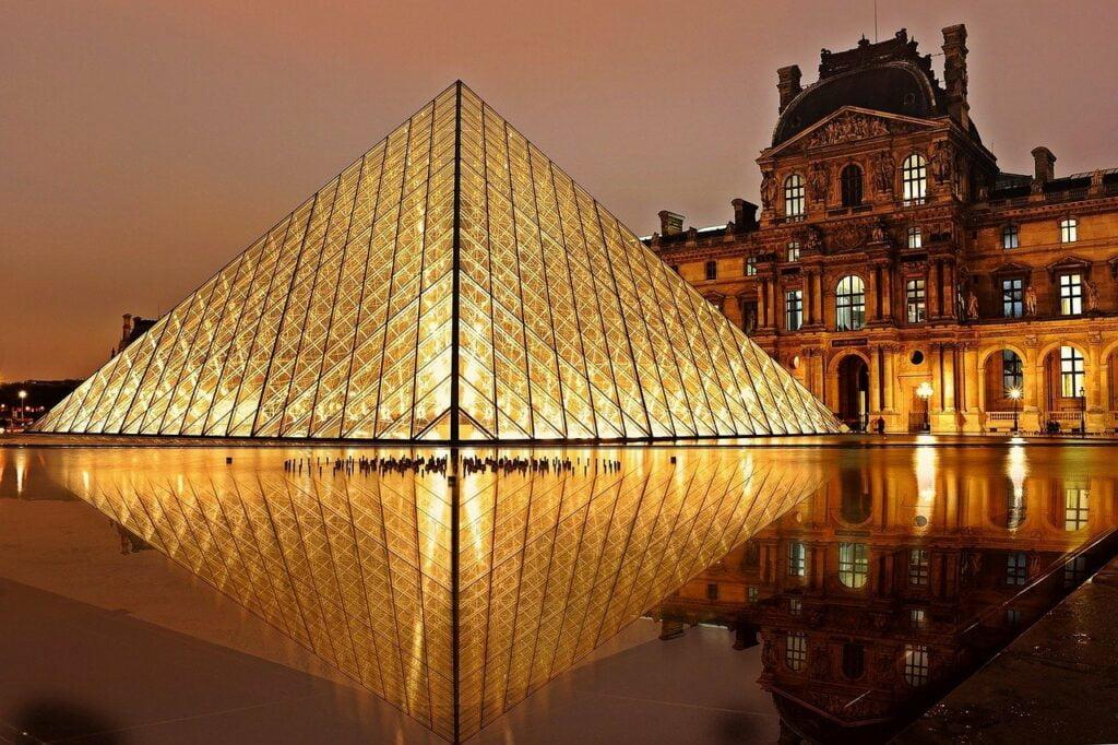 Imagen del Louvre, uno de los mejores museos en europa