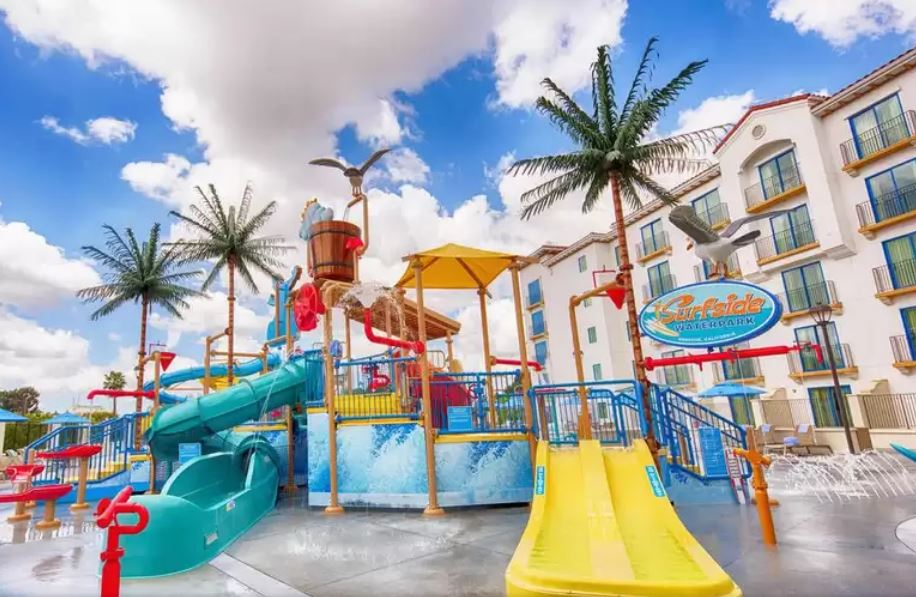 hotels with waterparks